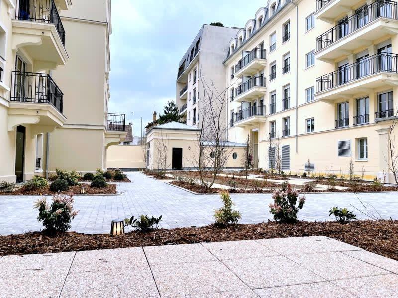 Rental apartment Le raincy 890€ CC - Picture 9