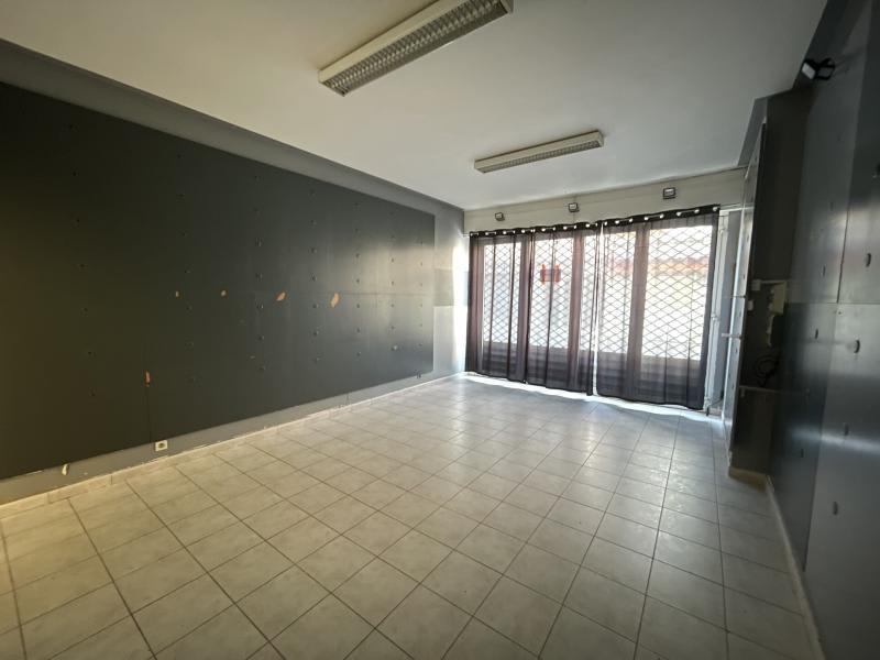 Sale building Le grau du roi 424000€ - Picture 7