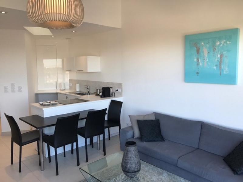 Location vacances appartement Le grau du roi 490€ - Photo 11