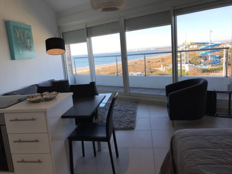 Location vacances appartement Le grau du roi 490€ - Photo 12