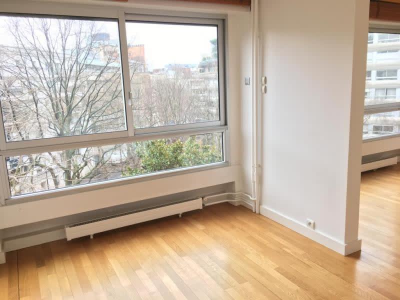 Location appartement Paris 15ème 2700€ CC - Photo 9