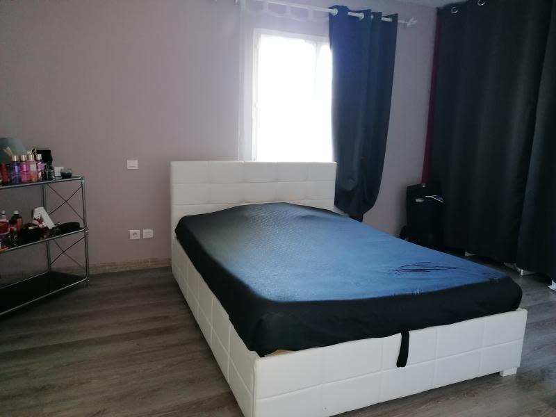 Sale house / villa L isle jourdain 335000€ - Picture 11
