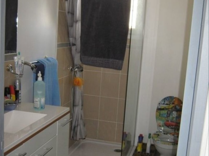 Rental house / villa Mas grenier 624,59€ CC - Picture 6