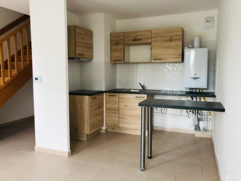 Location appartement Coubron 1150€ CC - Photo 2
