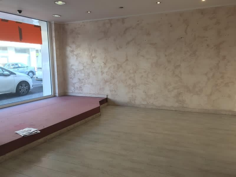 Location local commercial Armentieres 750€ HC - Photo 6