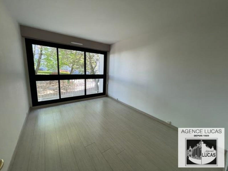 Location appartement Verrieres le buisson 1125€ CC - Photo 12