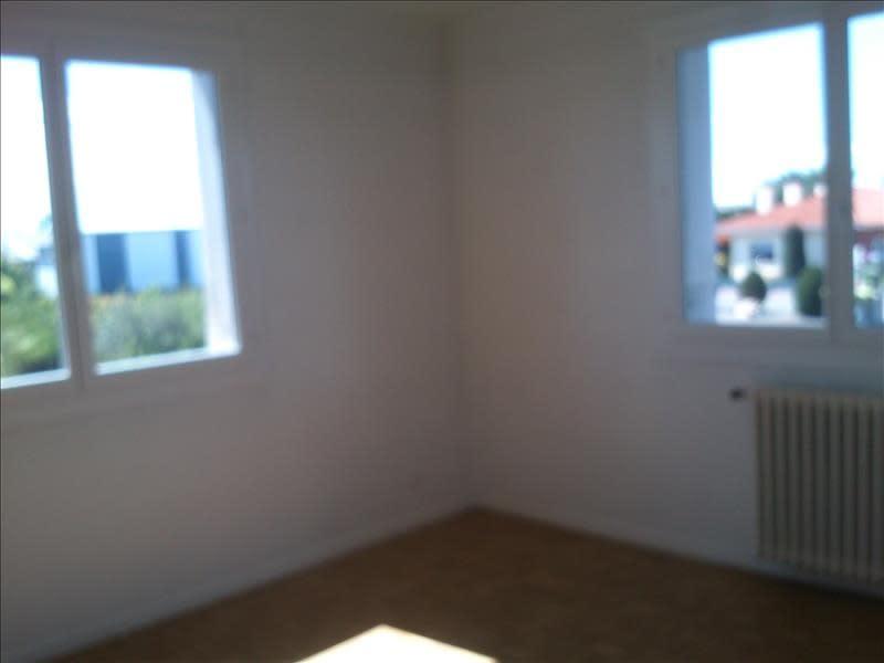 Rental apartment L union 591,62€ CC - Picture 6