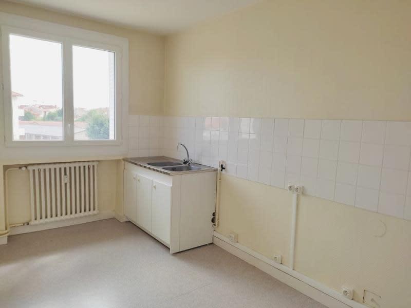 Location appartement Roanne 680€ CC - Photo 8