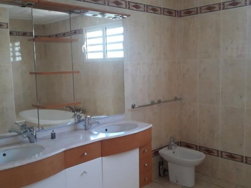Rental house / villa St denis 2750€ CC - Picture 18