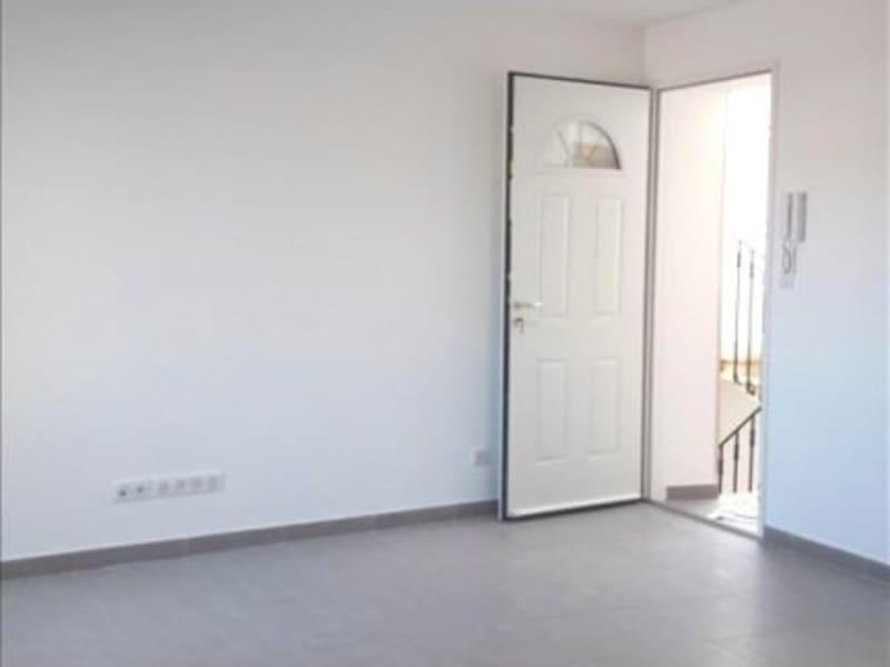 Rental apartment Marsillargues 590€ CC - Picture 2