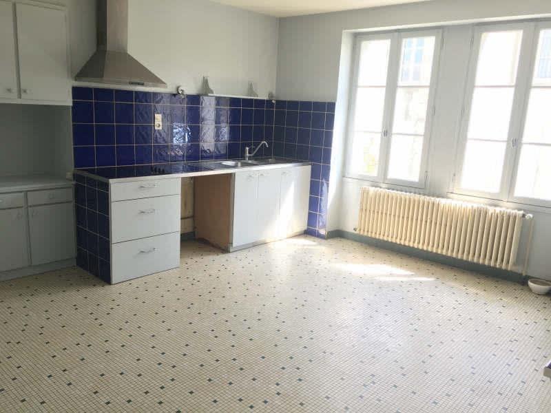 Vente maison / villa Liguge 268000€ - Photo 8