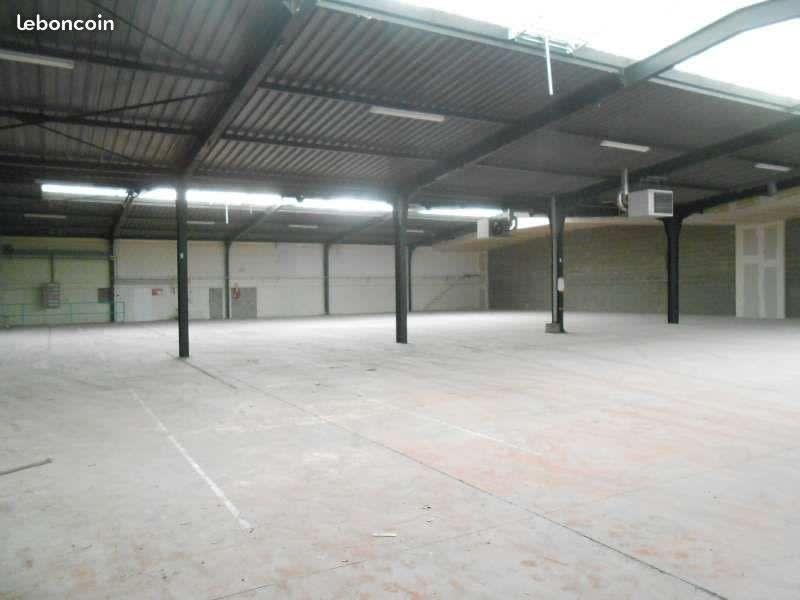 Location local commercial Poitiers 4077,50€ HC - Photo 5