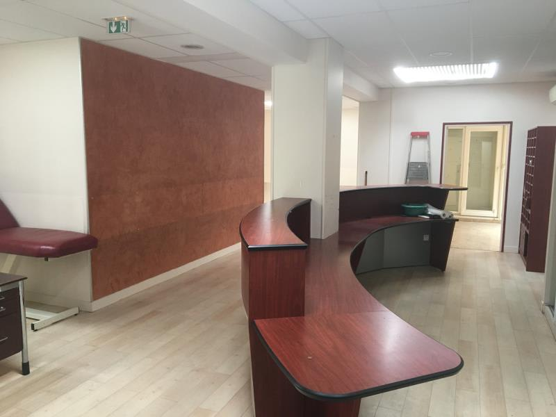 Vente local commercial Beauchamp 840000€ - Photo 8