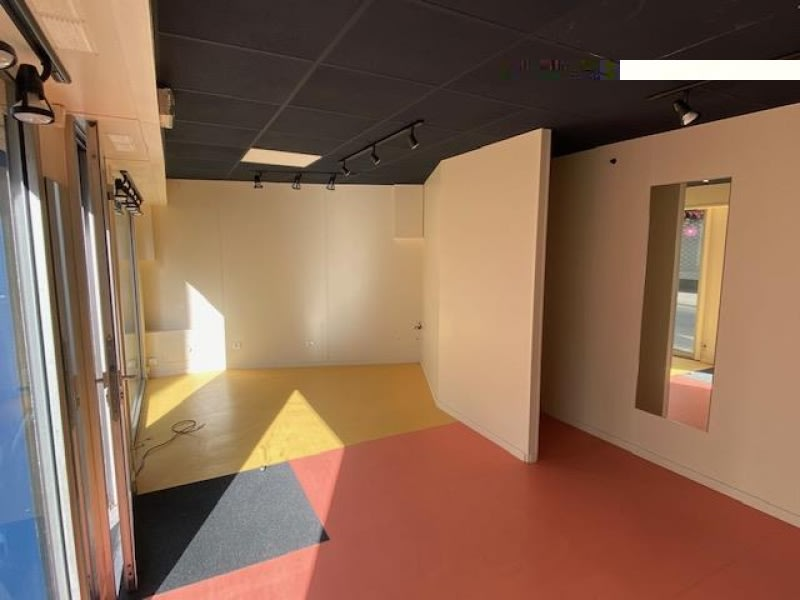 Location local commercial Cholet 450€ HC - Photo 5