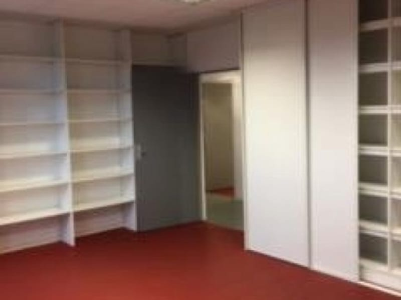 Location local commercial Cholet 2950€ HC - Photo 6