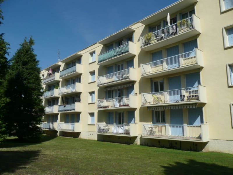 Venta  apartamento Saint-genis-laval 147000€ - Fotografía 1