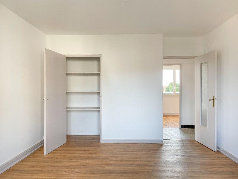 Rental apartment Decines charpieu 780€ CC - Picture 12