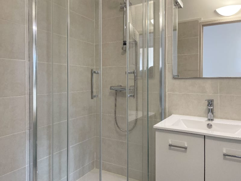 Rental apartment Decines charpieu 780€ CC - Picture 16