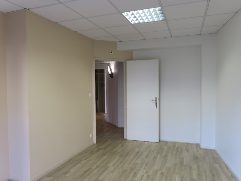 Location bureau Annecy 2000€ HC - Photo 10