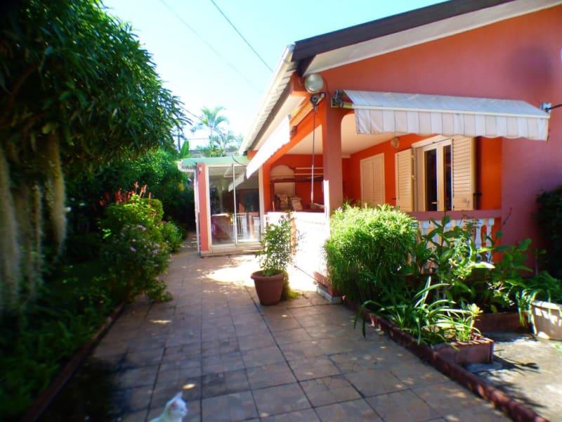 Sale house / villa Les avirons 170000€ - Picture 12
