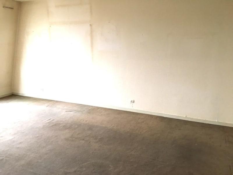 Sale apartment Lille 105250€ - Picture 9