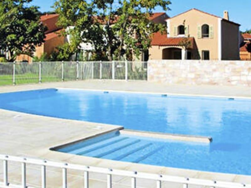 Location appartement Roquebrune-sur-argens 680€ CC - Photo 1