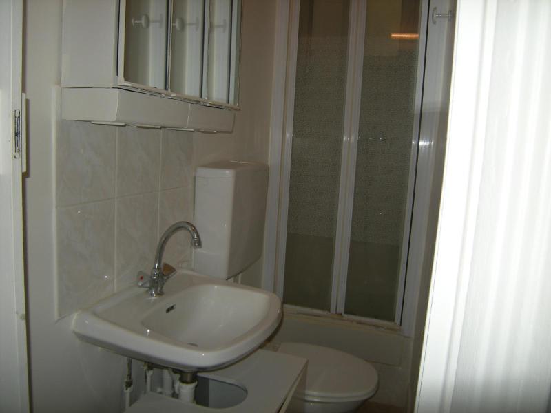 Location appartement Paris 11ème 930€ CC - Photo 10