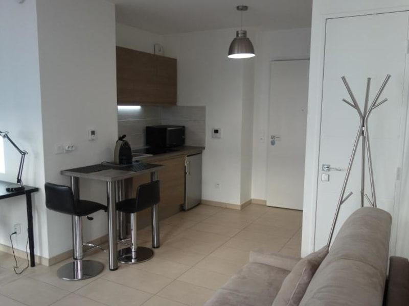 Rental apartment Lyon 2ème 955€ CC - Picture 2