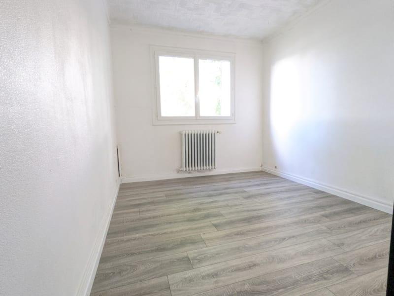 Rental apartment Montigny les cormeilles 945€ CC - Picture 9