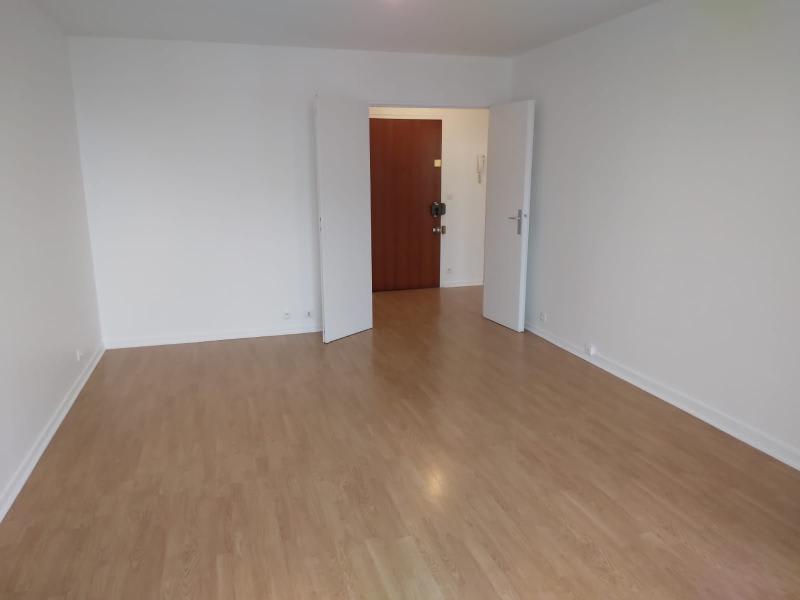 Location appartement Le pre saint gervais 1180€ CC - Photo 3