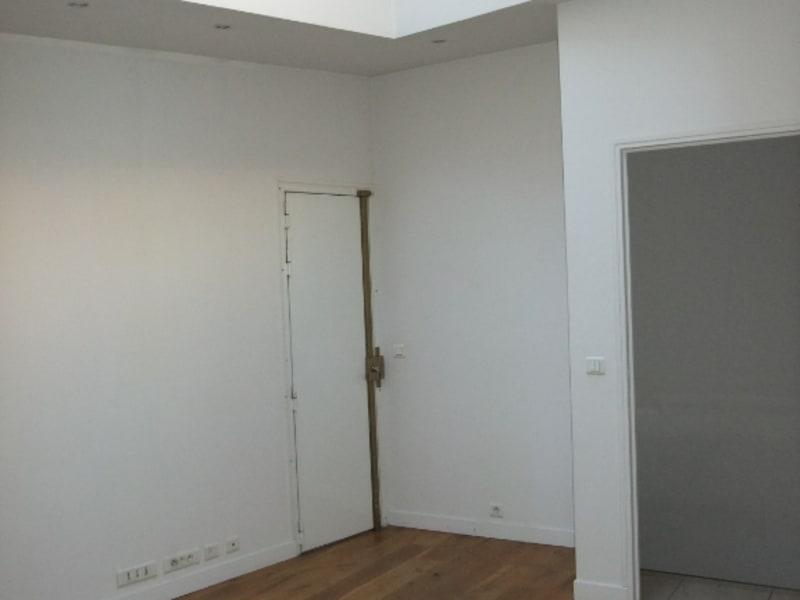 Rental office Paris 8ème 3850€ HC - Picture 3