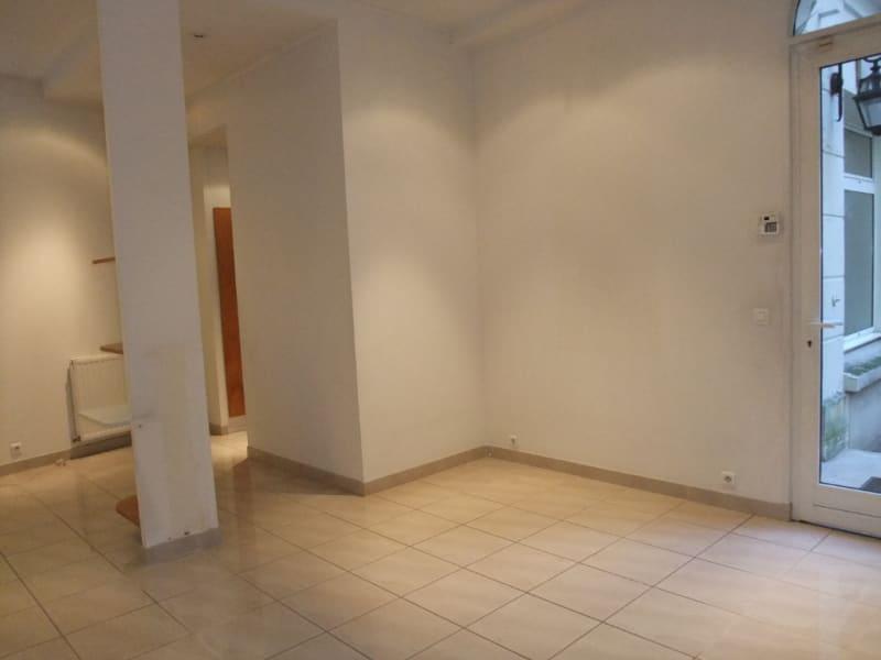Rental office Paris 8ème 3850€ HC - Picture 9