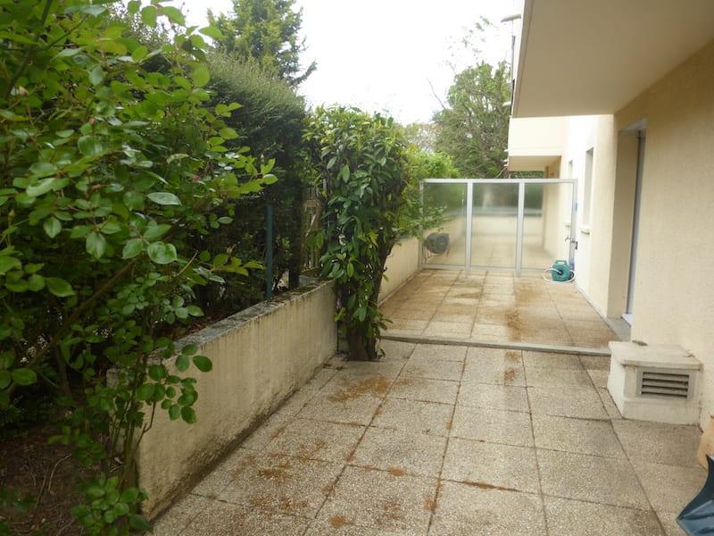 Location appartement Verrieres le buisson 990€ CC - Photo 4