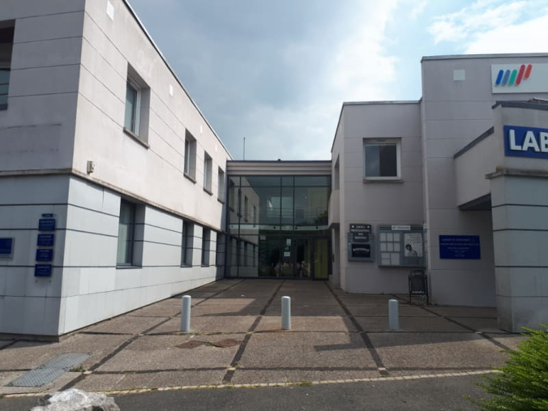 Location local commercial Longuenesse 789€ CC - Photo 1