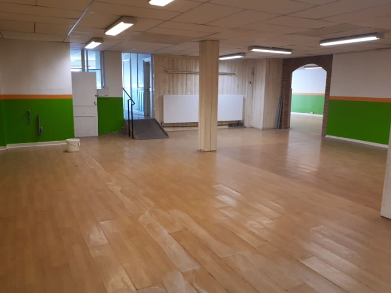Location local commercial Arques 900€ HC - Photo 2