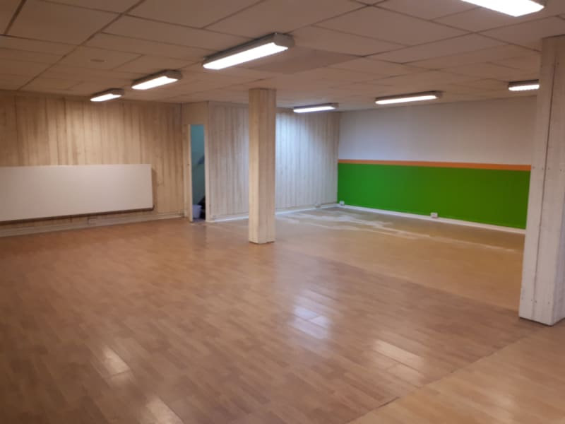 Location local commercial Arques 900€ HC - Photo 4