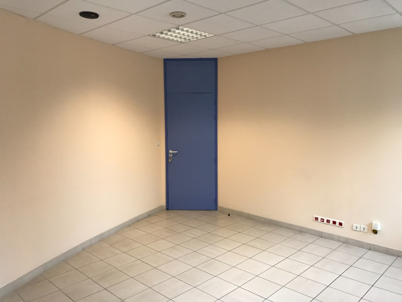 Rental empty room/storage Saint omer 490€ CC - Picture 2