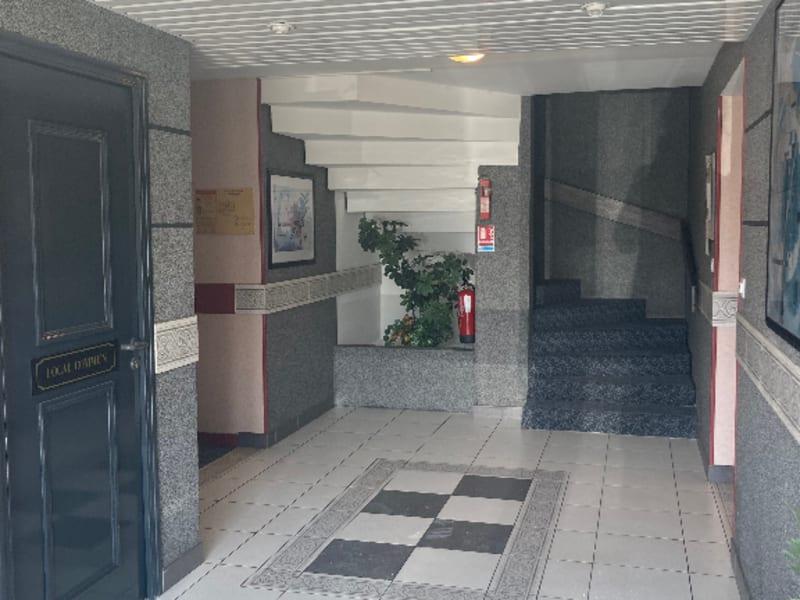 Sale apartment Nantes 205408€ - Picture 1