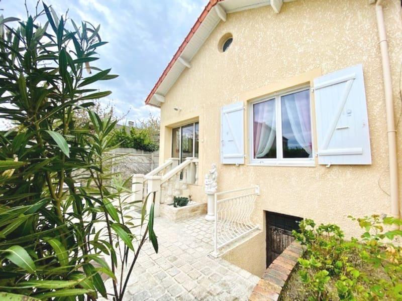 Sale house / villa Eragny 385000€ - Picture 1