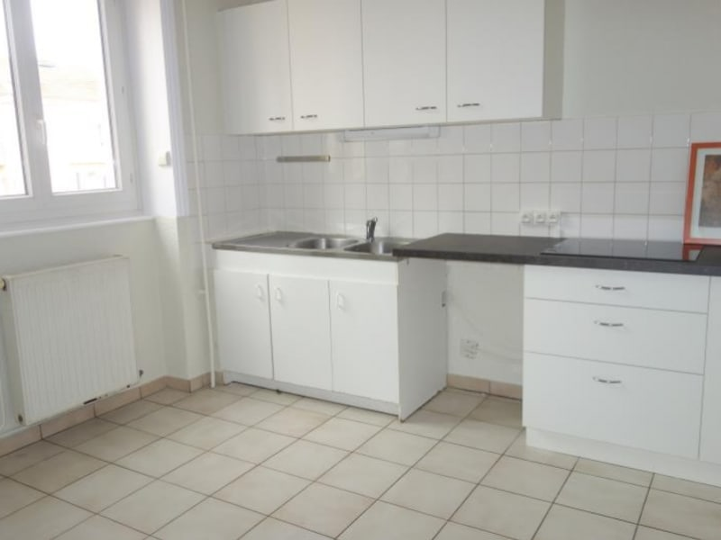 Rental apartment Roanne 680€ CC - Picture 2
