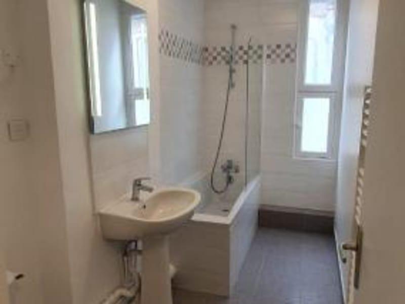 Location appartement Paris 10ème 1335€ CC - Photo 10