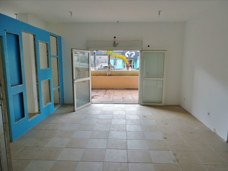 Rental empty room/storage Saint denis 1540€ HC - Picture 2
