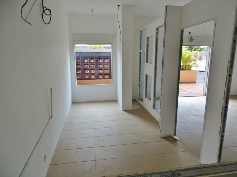 Rental empty room/storage Saint denis 1540€ HC - Picture 6
