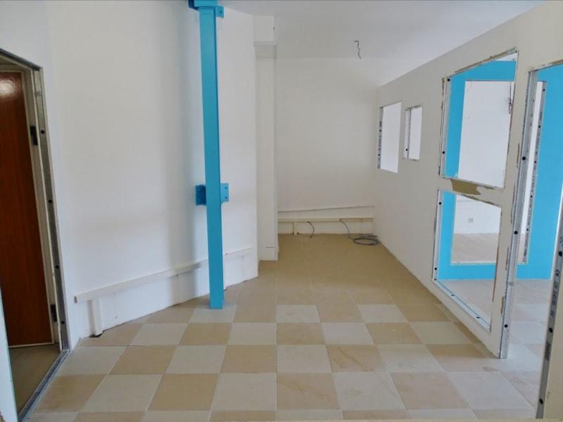 Rental empty room/storage Saint denis 1540€ HC - Picture 8