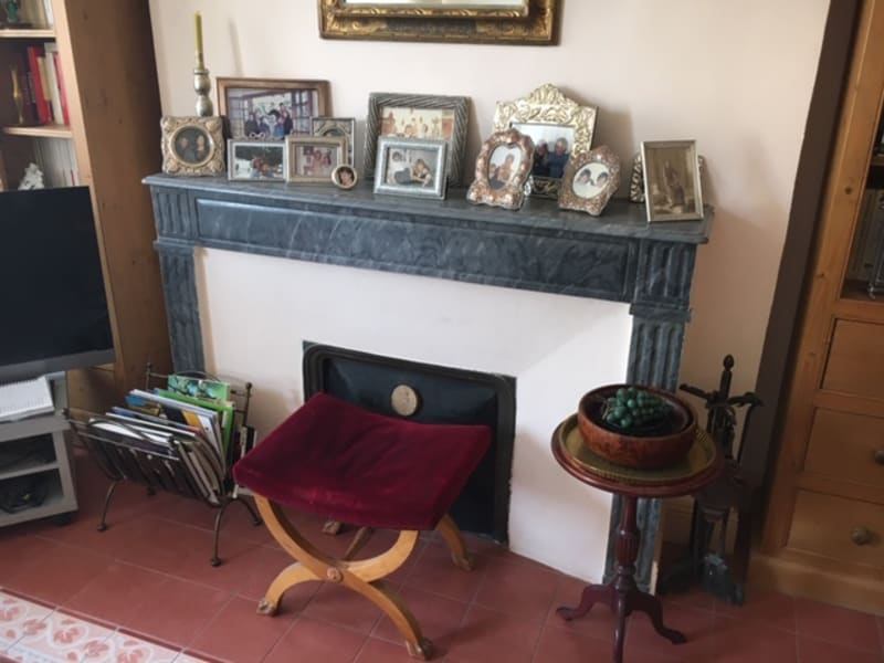 Sale apartment Nimes 320000€ - Picture 2