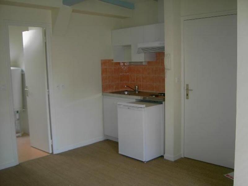 Rental apartment Vannes 345€ CC - Picture 1