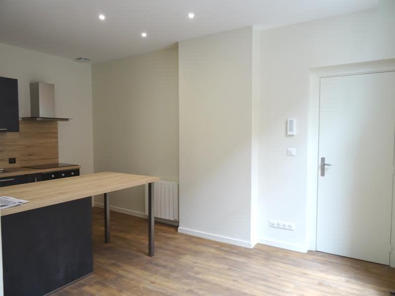 Rental apartment Roanne 390€ CC - Picture 2