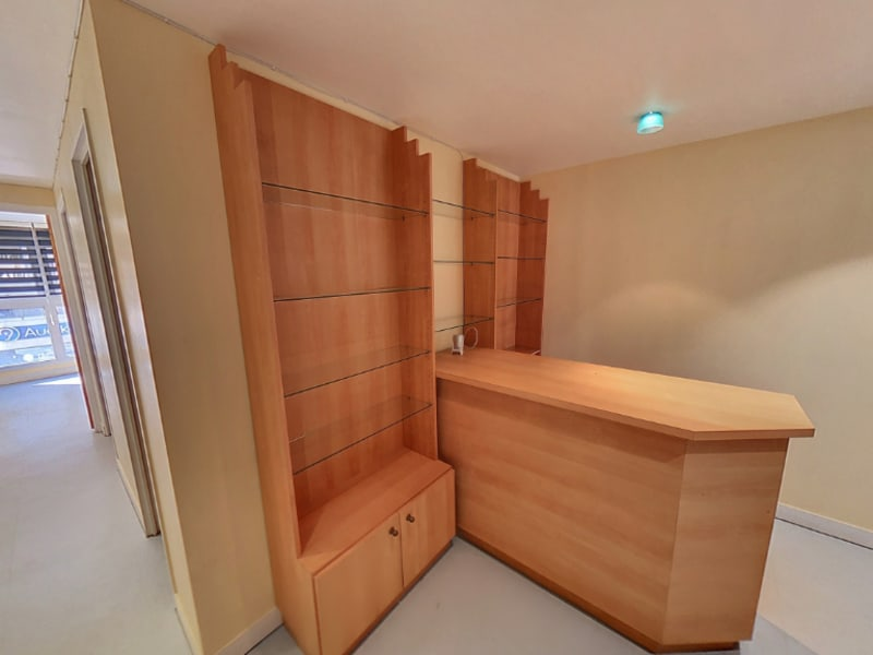 Location local commercial Melun 1300€ CC - Photo 1