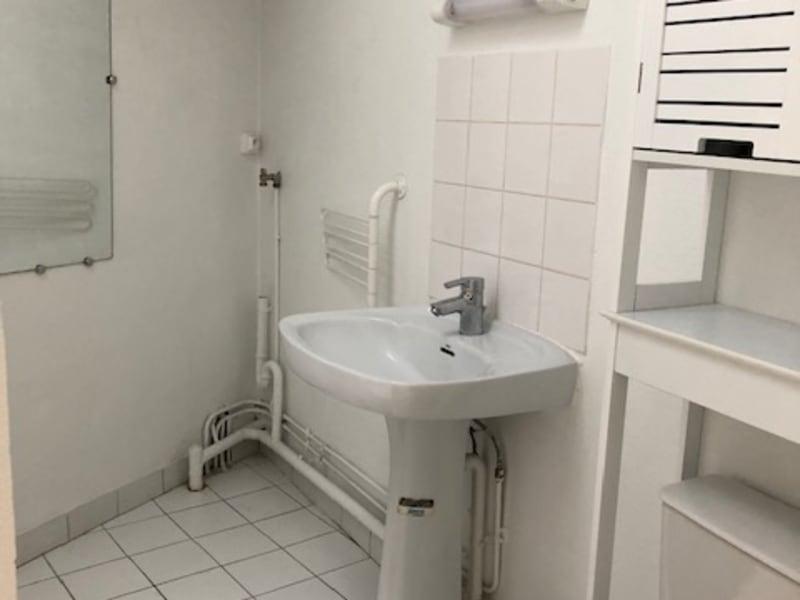 Location appartement Paris 9ème 830,50€ CC - Photo 7