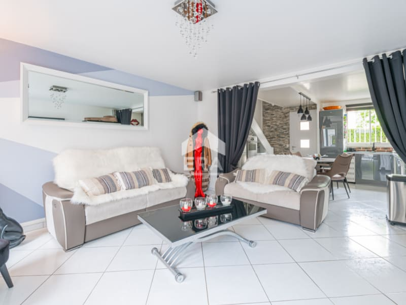Sale house / villa Emerainville 390000€ - Picture 1